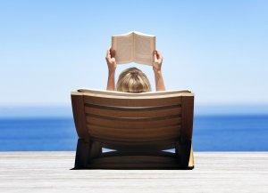 reading_a_book_wallpaper_6d0dd